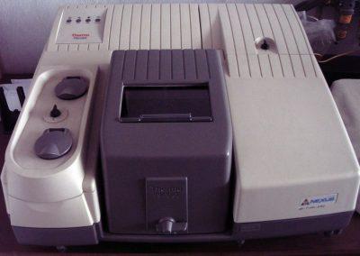 Spektrometr FT-IR NICOLET 6700