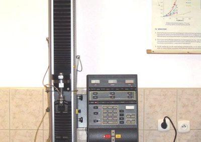 Maszyna wytrzymałościowa Instron